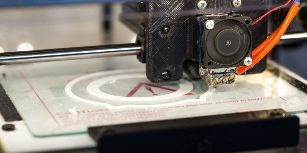 stampa-3d-facile-modelli-estrusore-filamento-design-problemi-guida-otturazione-plastica-stampante-simplify3d-raffreddamento-temperatura-ugello