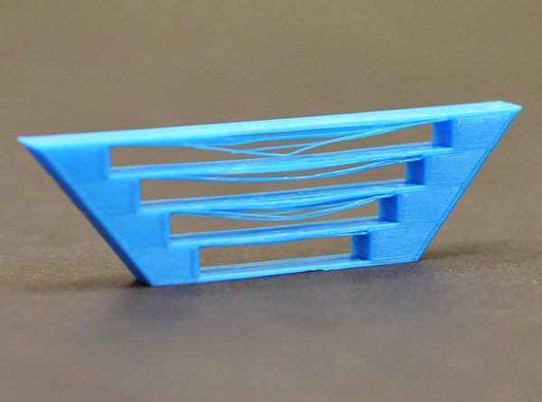 stampa-3d-facile-problemi-guida-plastica-stampante-simplify3d-velocita-bridging-supporto-riempimento