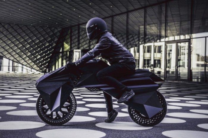 Nera, la moto stampata in 3D vista di lato